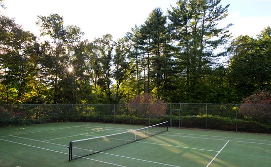 Washington, CT: Tennis Court