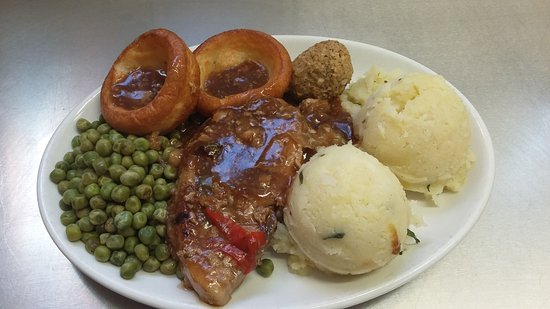 Wigston, UK: Lovely traditional braised loin of pork.