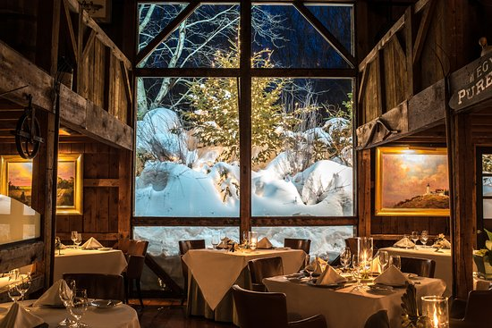 4 Luxury Hotels for The Most Glamorous New Years Eve Day 2017 new years eve day 4 Luxury Hotels for The Most Glamorous New Years Eve Day 2017 the white barn inn restaurant