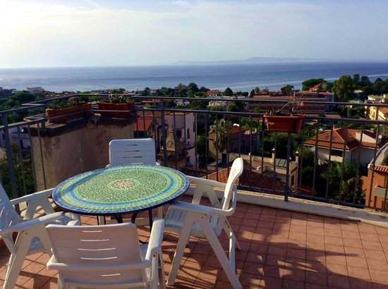 La Culla: View to Vesuvius/sea-(terrace)