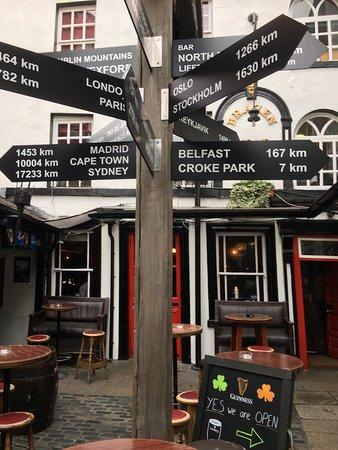 The Brazen Head: Hyggelig restaurant med god mad på Dublins ældste pub