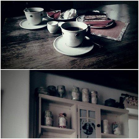 Kavarna na kozim placku : káva azákusek