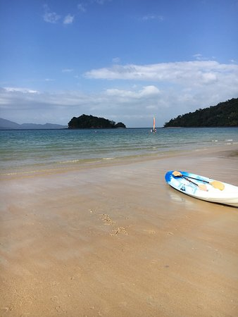 The Datai Langkawi: The beautiful and peaceful beach in front of the hotel
