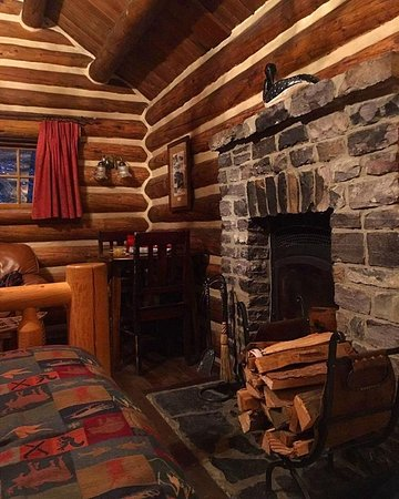 Storm Mountain Lodge & Cabins Image