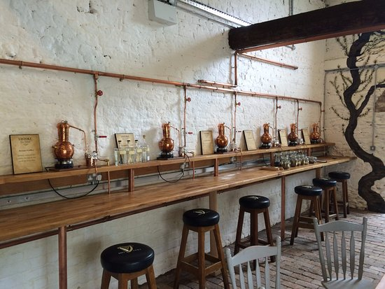 Drogheda, Irland: Each person gets their own pot still