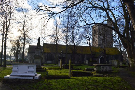 St. Margaret of Antioch, Barking: The view of the church from the North, with the white Nepton tomb in the foreground.