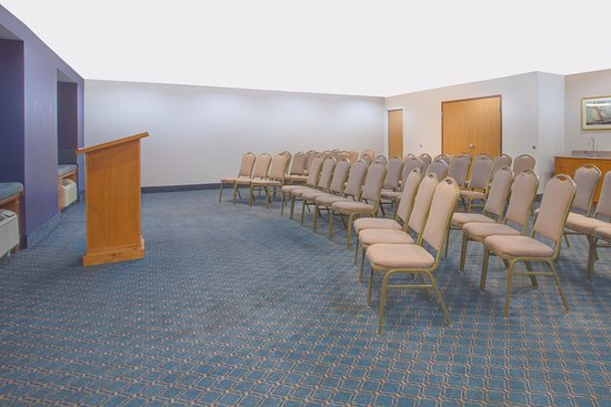 Microtel Inn & Suites by Wyndham Dover : Meeting Room