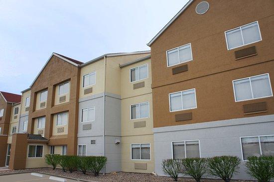 La Quinta Inn & Suites Emporia Image