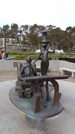 University of California San Diego: Sculpture