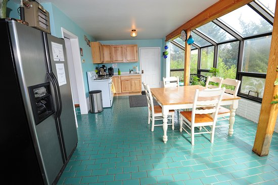 Kodiak, AK: Kitchen/Sunroom