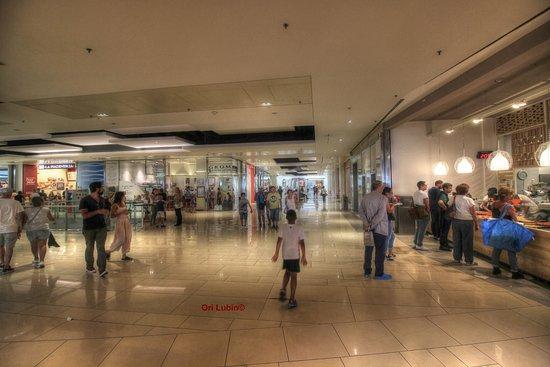 Galleria Commerciale Porta di Roma: Hallway