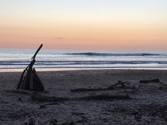Cabuya, Costa Rica: Sunset surf lessons with Guillermo