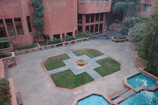 ITC Mughal, Agra: Courtyard from roof