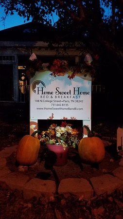 Home Sweet Home Bed and Breakfast: Spooky Halloween for sure...