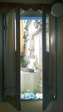 Pousada Tematica Arraial Velho: Vista do quarto -maravilhosa