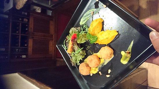 Wittnau, Alemania: Un antipasto delizioso praline di merluzzo con un mouse di zucca