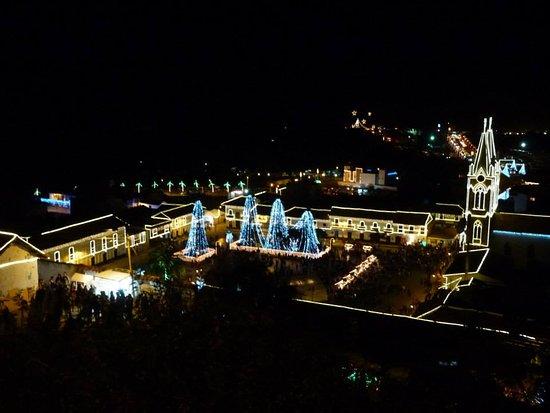 Corrales, Colombia: El Pueblo Colombiano Que Alumbran En Su Totalidad Para Celebrar Navidad