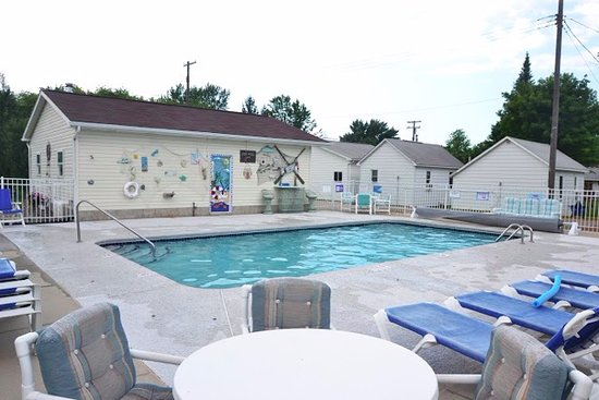 Blue Spruce Lucky Horseshoe Motel Cabins Updated 2018 Prices Reviews Port Austin Mi Tripadvisor