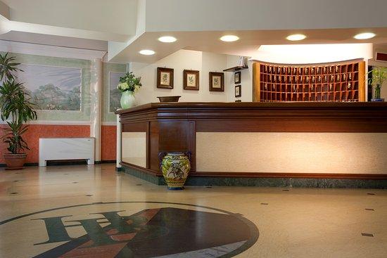 Hotel Biancaneve: Dettaglio Reception