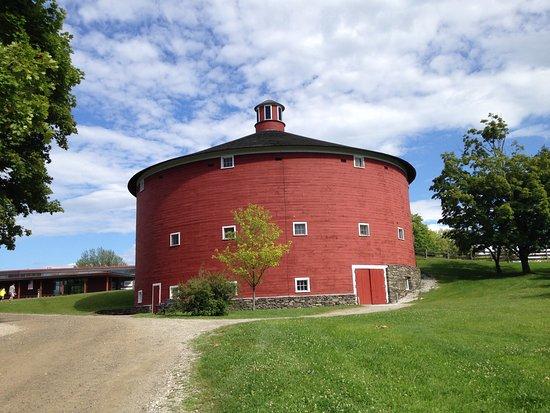 Shelburne, VT: Round Barn