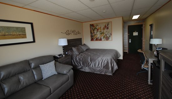 Pinewood Motor Inn: A newly renovated room
