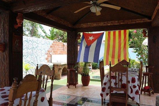 Hostal Doña Cristina: Terraza de la Hostal  aqui servimos los desayunos y cenas
