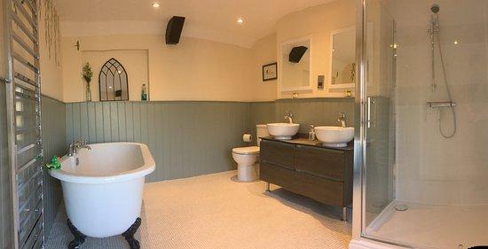 Old Manor House B&B : Green Room bathroom