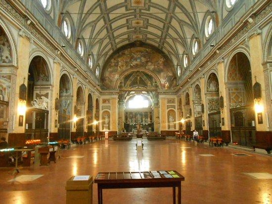 Interno chiesa foto di chiesa di sant 39 angelo milano for Interno chiesa