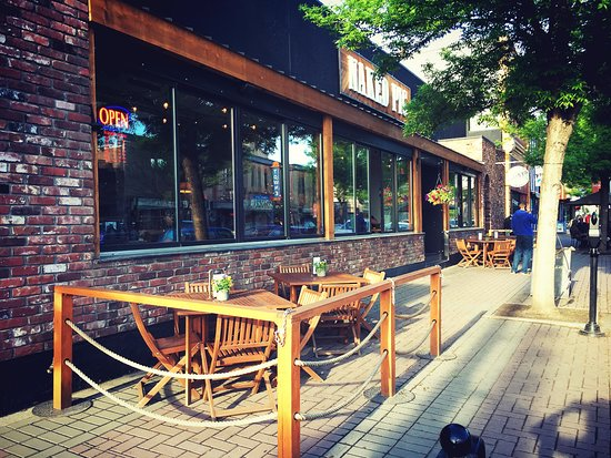 Vernon, Canada: Best Patio Days 3 seasons of the year