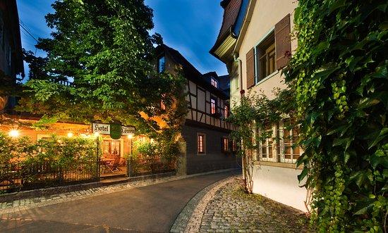 Marktbreit, Germany: Gartenrestaurant am Abend