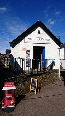 Inveraray, UK: The Courtyard
