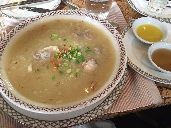The Peninsula Manila: Lobby Bar - Arroz Caldo