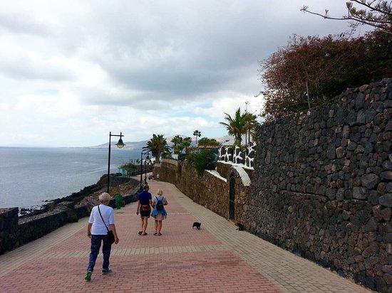 photo0.jpg - Picture of Walk from Puerto del Carmen to Puerto Calero, Puerto ...