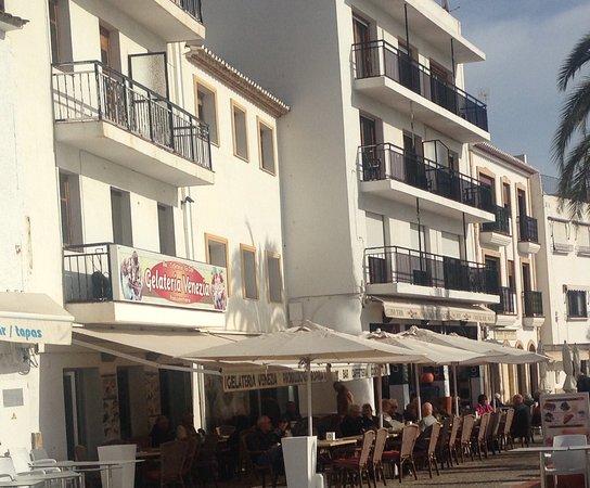 Gelateria venezia moraira fotos y restaurante opiniones for Cream valencia fotos