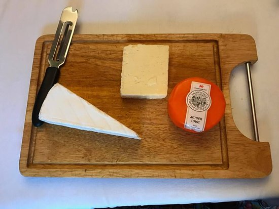 Plas Gwyn B&B & Cottage: we asked for cheese for breakfast, and we got more than expected! amazing