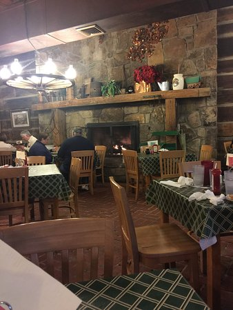 Log Cabin Pancake House : Superb French toast and blackberry waffle! Cozy fireplace on a snowy morning!
