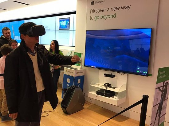 VR Experience at Microsoft Store - Picture of Tysons Corner