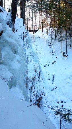 Sterling Falls Gorge : photo0.jpg