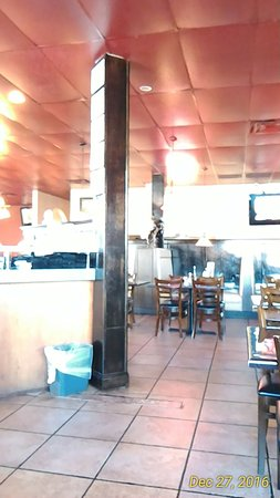 Galloway, OH: Shot of the main dining area as you come in