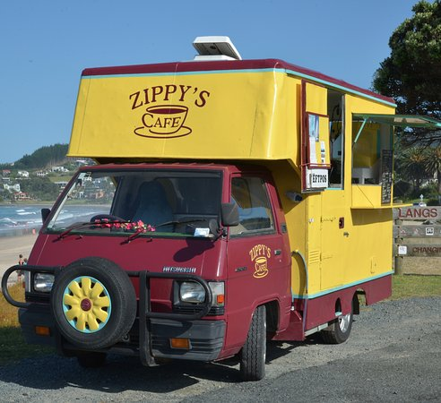 Waipu, New Zealand: Zippys the best mobile cafe in Langs Beach