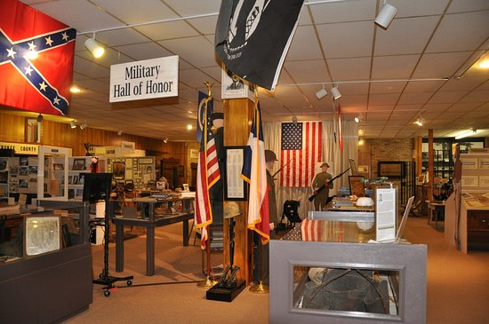 Rusk, Teksas: Our Military Hall of Honor highlights our fallen men of Cherokee County on the battlefield.