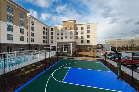 Homewood Suites By Hilton Concord Charlotte Hotel Pool Sport Court