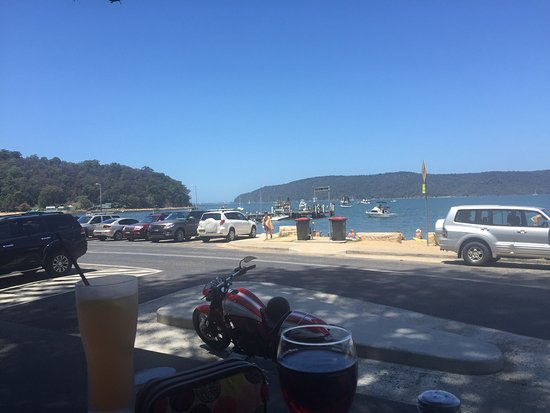 Patonga, Australia: The view from the restaurant is very nice