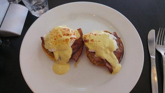Sylvania, Australia: Eggs benedict with ham $18.50.