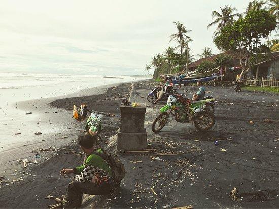 Penebel, Ινδονησία: Tabanan beach - awesome place for some drifting