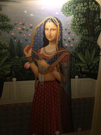 Hotel Pearl Palace: Indian 'Monda Lisa' in the hallway outside our room :)