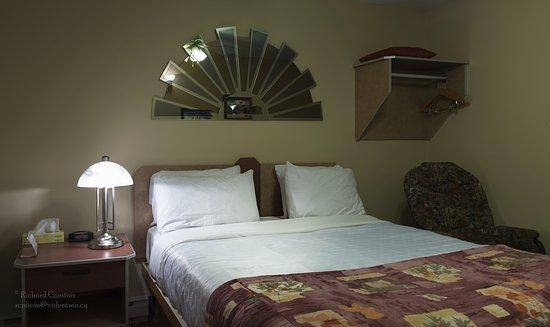 Chibougamau, Canada: C'est la chambre de base photo #3