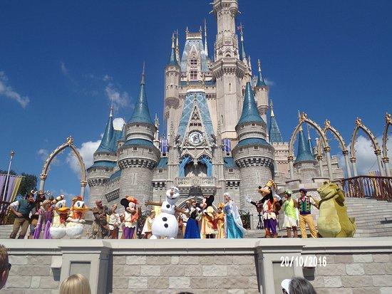 Ver Castillo De Disney Y La Funci 243 N Fue Un Momento