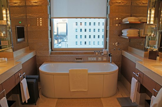 โรงแรมเดอะเพนนินซูล่า โตเกียว ภาพถ่าย