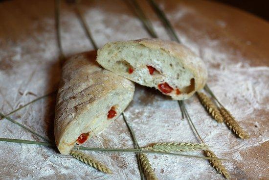 Fortutti: Каждое утро горячий хлеб из собственной печи